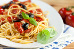 Spaghetti with cherry tomatoes and olives Stock Photography