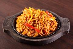 Spaghetti chinois chauds avec le poivre Photographie stock