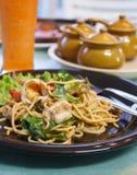 Spaghetti con i gamberi fotografia stock libera da diritti