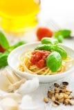 Spaghetti con i pomodori Fotografie Stock Libere da Diritti
