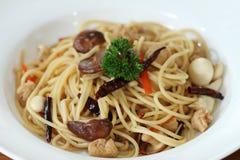 Spaghetti con il fungo fotografia stock