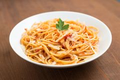Spaghetti con il pomodoro ed il formaggio Immagine Stock Libera da Diritti
