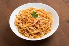 Spaghetti con il pomodoro ed il formaggio Fotografie Stock