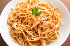 Spaghetti con il pomodoro ed il formaggio Fotografia Stock Libera da Diritti