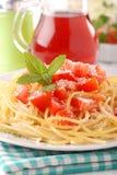 Spaghetti con le parti del pomodoro Immagine Stock Libera da Diritti