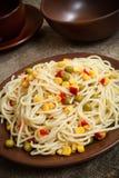 Spaghetti con le verdure Immagini Stock
