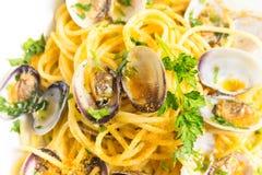 Spaghetti con le vongole e il bottarga Fotografia Stock