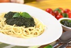 Spaghetti con Pesto fresco Fotografia Stock