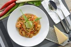 Spaghetti con Tom Yam Goong crema Fotografia Stock