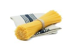 Spaghetti crudi organici Immagine Stock Libera da Diritti