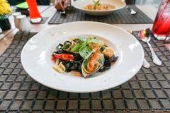 Spaghetti de calmar d'encre de fruits de mer Image libre de droits