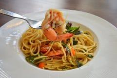 Spaghetti de crevette avec frais sec et la crevette Photographie stock