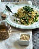 Spaghetti del pisello e degli spinaci Fotografie Stock Libere da Diritti