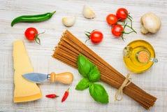 Spaghetti e parmigiano di Brown Fotografie Stock