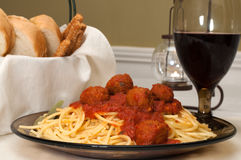 Spaghetti e polpette fotografia stock libera da diritti