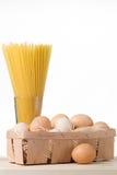 Spaghetti ed uova Fotografie Stock Libere da Diritti