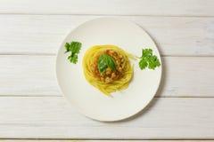 Spaghetti in een plaat stock fotografie