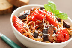 Spaghetti with eggplants Royalty Free Stock Photos