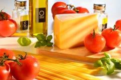 Spaghetti en het tomaten nog-leven stock afbeelding