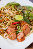 Spaghetti en hotdog. Stock Afbeeldingen