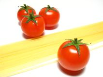 Spaghetti en tomaten Stock Fotografie