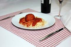Spaghetti et boulette de viande 2 image libre de droits