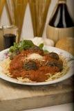 Spaghetti et boulettes de viande. photographie stock libre de droits