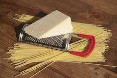 Spaghetti et parmesan Photos stock