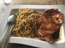 Spaghetti et poulet Photo stock