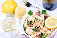 Spaghetti with fresh clams Stock Photography