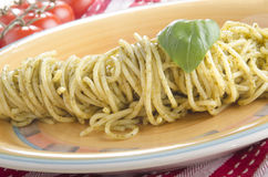 Spaghetti with fresh green pesto Royalty Free Stock Photography