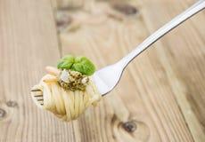 Spaghetti with fresh Pesto Sauce Royalty Free Stock Photos