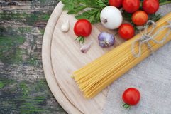 Spaghetti with fresh vegetables Stock Photography