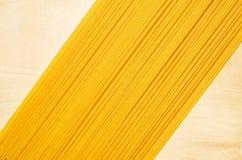 Spaghetti jaunes. photographie stock