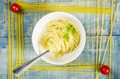 Spaghetti in kom Stock Foto's