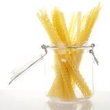 Spaghetti in kruik Royalty-vrije Stock Foto