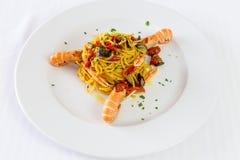Spaghetti makaron z krewetkami i pomidorami Wyśmienity restauracyjny owoce morza Fotografia Royalty Free