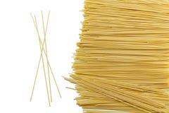 Spaghetti makaronu skład na białym tle Zdjęcie Royalty Free