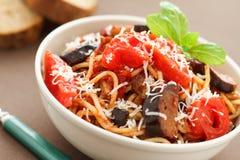 Spaghetti met aubergines Royalty-vrije Stock Foto's