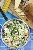 Spaghetti met garnalen Stock Fotografie