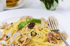 Spaghetti met mosselen in kommen Royalty-vrije Stock Foto
