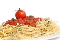 Spaghetti met tomaten Stock Afbeeldingen