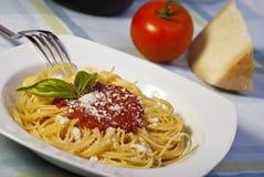Spaghetti met tomatensaus Royalty-vrije Stock Afbeeldingen