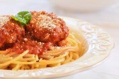Spaghetti met vleesballetjes Stock Foto's