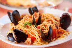 Spaghetti met zeevruchten Stock Foto