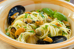 Spaghetti with mussels and capers Royalty Free Stock Photo
