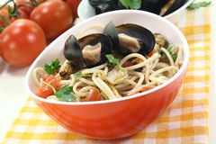 Spaghetti with mussels and parsley Royalty Free Stock Images