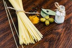 Spaghetti oliwki i pikantność Obraz Stock