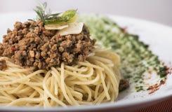 Spaghetti omhoog geschoten bolognese met parmezaanse kaas 14close Stock Foto