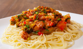 Spaghetti pasta with vegetables mix and bacon Royalty Free Stock Photos